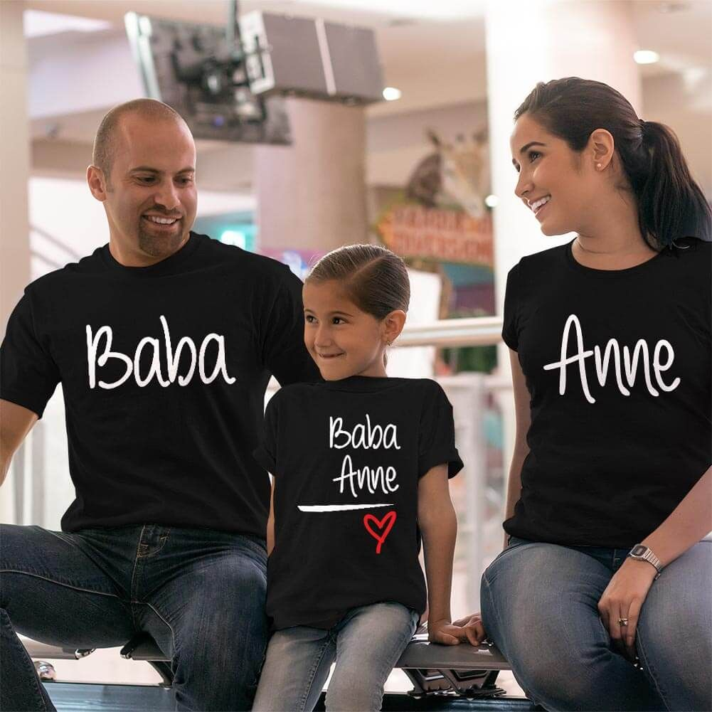Anne Baba Sevgisi Tasarımlı Baba,Anne ve Kız Çocuk Kombini