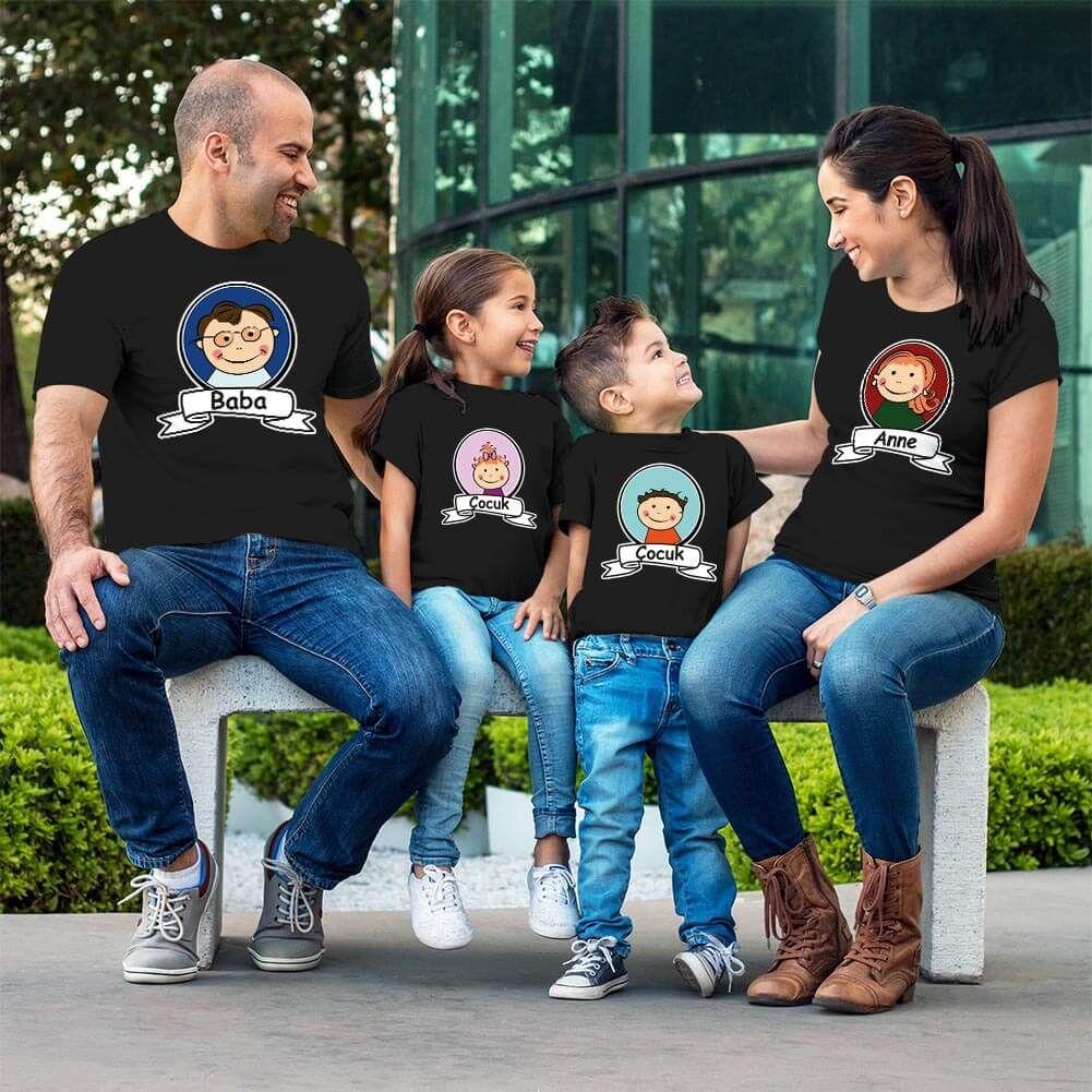 Anne Baba ve Çocukları Resimli Tişört Kombini