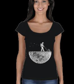 Husker TV - Ayı Süpüren Astronot Kadın Açık Yaka