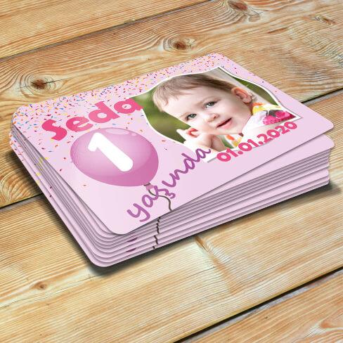 Balonlu Kız Bebek Doğum Günü Magneti