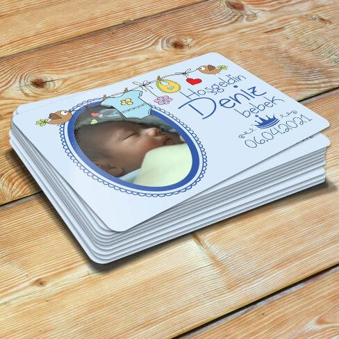 - Bebek Kıyafetli Yenidoğan Erkek Bebek Magneti