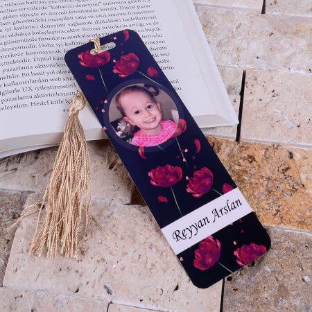 - Fotoğraflı Kırmızı Çiçekli Kitap Ayracı
