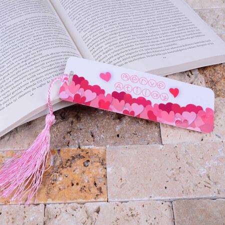 Pembe Kalpli Kitap Ayracı