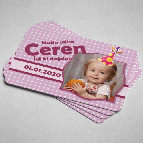 - Şapka Tasarımlı Kız Bebek Doğum Günü Magneti